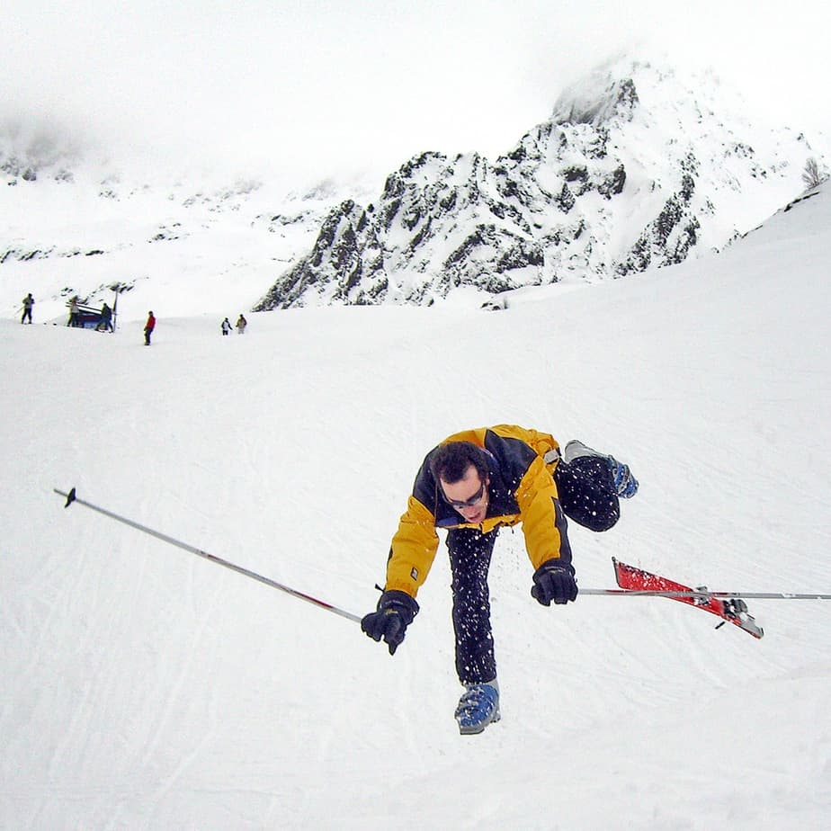 person-falling-down-on-skis